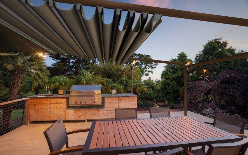 Genus Veranda With Retractable Fabric Roof Diatostyle