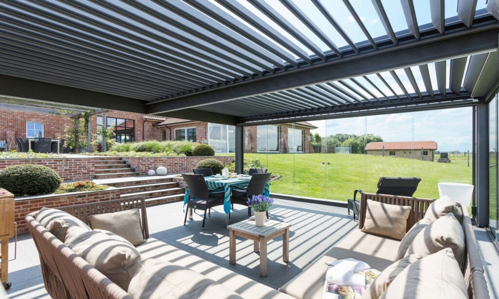 Bioclimatic Pergola with Sliding Glass Panels